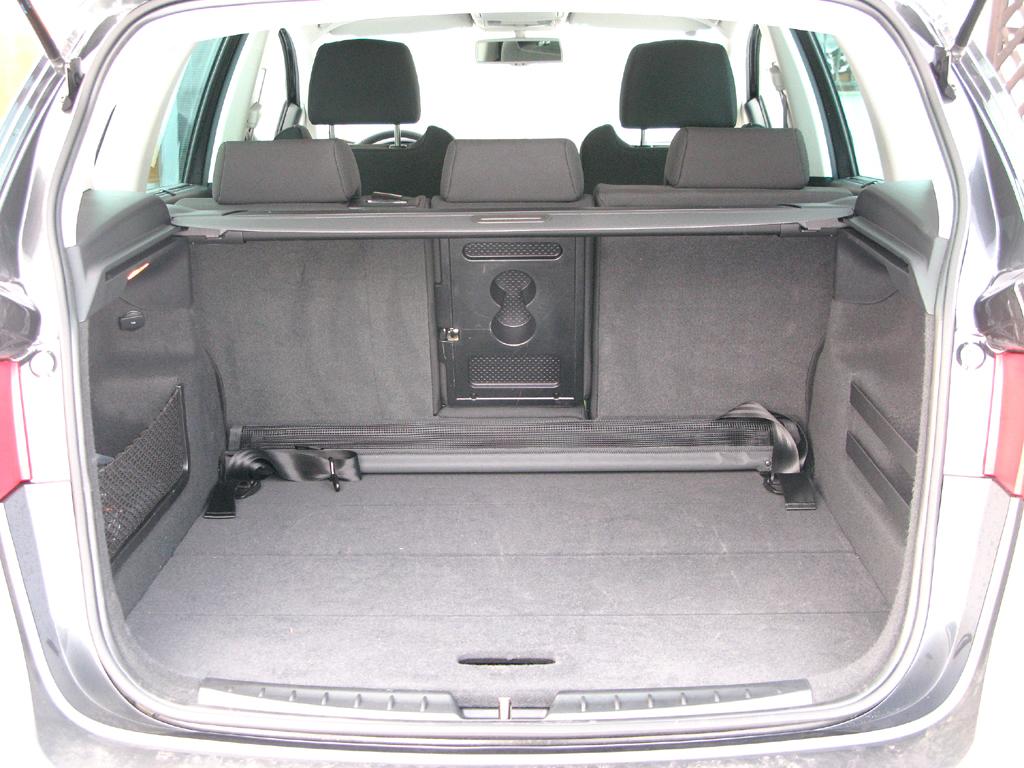 Seat Altea XL: Ins Stauabteil passen 532 bis 1604 Liter hinein.