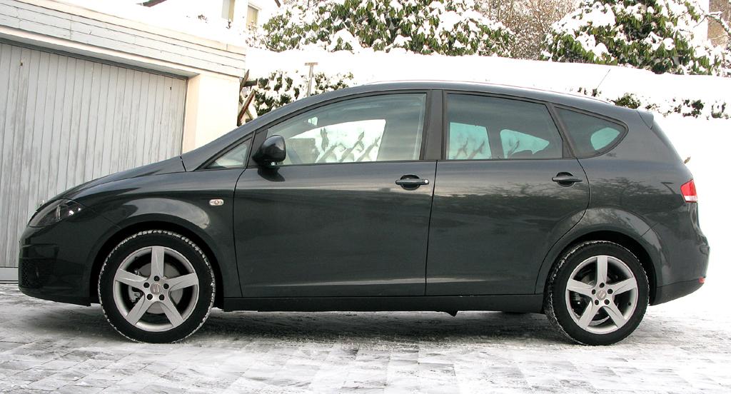 Seat Altea XL: Seitenansicht auf das tröpfchenförmige Design.