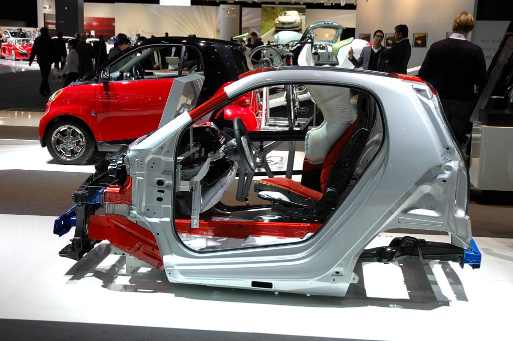 Sicher ist sicher: Fahrgastzelle des zweisitzigen Smart Fortwo.