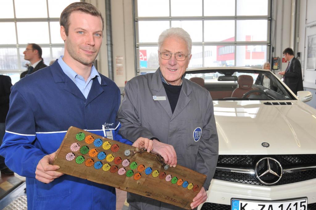 Thorsten Rechtien (li) und Lothar Schulte sind/waren Prüfingenieure beim TÜV Rheinland