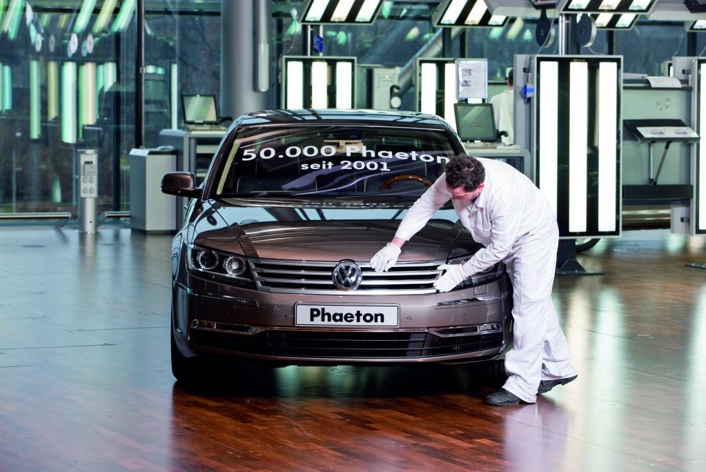 Volkswagen führt Zweischichtsystem für den Phaeton ein