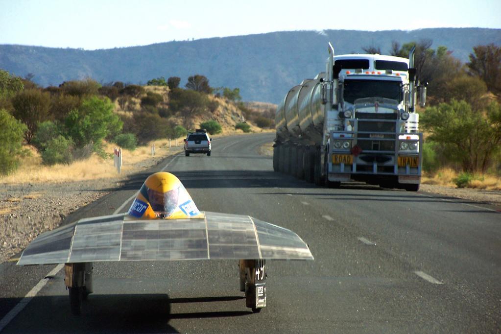 Vor den Teilnehmern liegen mehr als 3 000 emissionsfreie Kilometer quer durch den australischen Kontinent. Hier ein älteres
