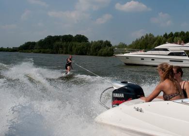 boot 2011: TurboSwing – Metallbügel für Wassersport und Rettungsaktionen