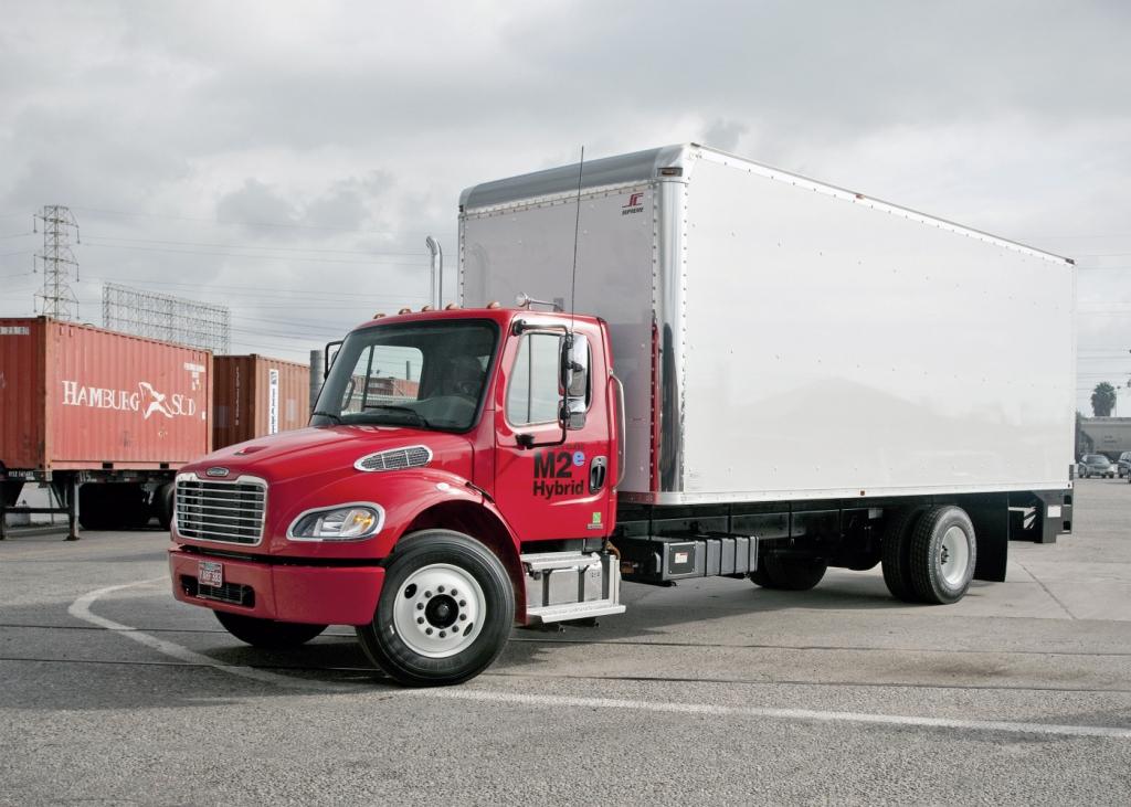 1000stes Daimler-Hybrid-Nutzfahrzeug rollt vom Band