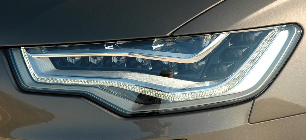 Audi A6: Moderne Leuchteinheit vorn.