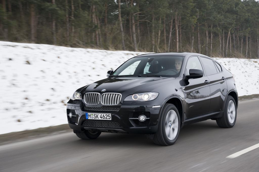 BMW X6 ab April auch als Fünfsitzer