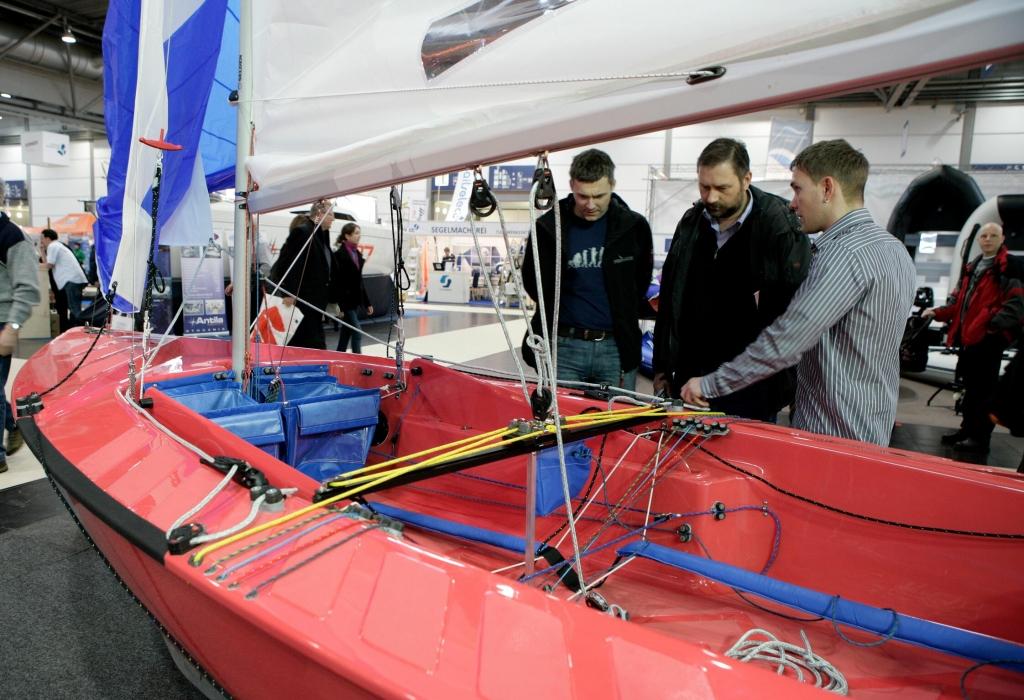 Beach & Boat 2011: Wassersportmesse Leipzig – Von Motorboot bis Stehpaddel