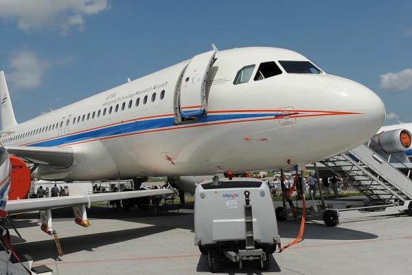 Brennstoffzellen-Bugrad für Flugzeuge - Weniger Lärm und Emissionen