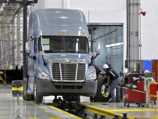 Daimler Trucks North America steigert Produktion