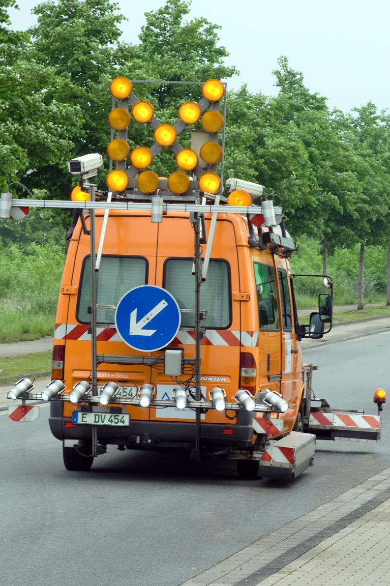 Die TÜV-Messfahrzeuge können mit bis zu 100 km/h im Verkehr