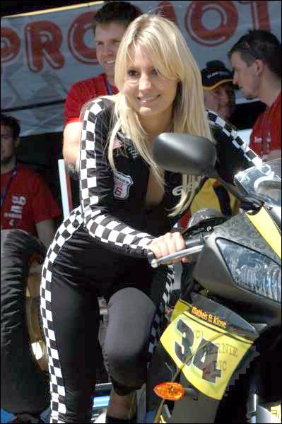 Doreen Seidel fährt seit Jahren Motorrad - jetzt steigt sie aufs Auto umFoto: 123 people