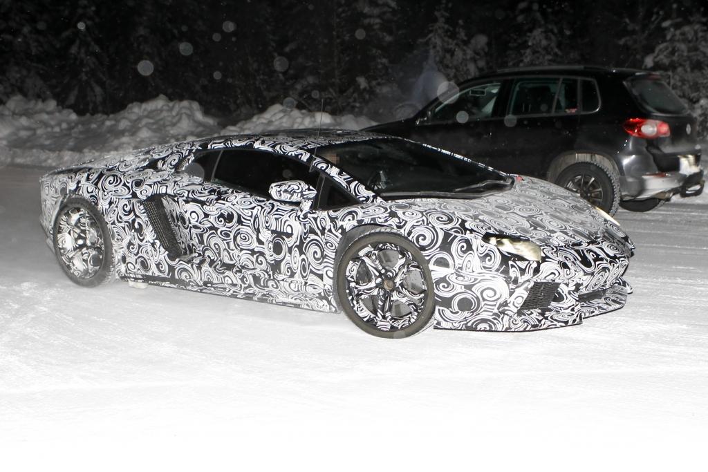 Erwischt: Lamborghini Aventador – Ein neuer Supersportler auf den Straßen