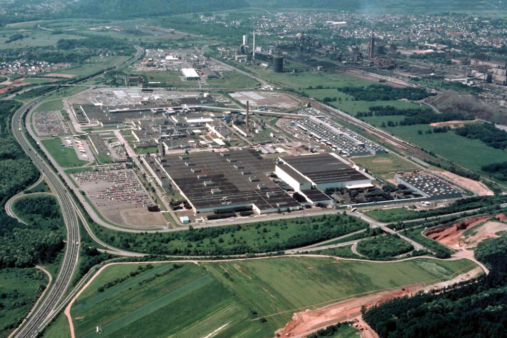 Für die Umrüstung auf die Focus-Produktion sind im Saarland zuletzt 300 Millionen Euro investiert und 500 Mitarbeiter neu eingestellt worden.