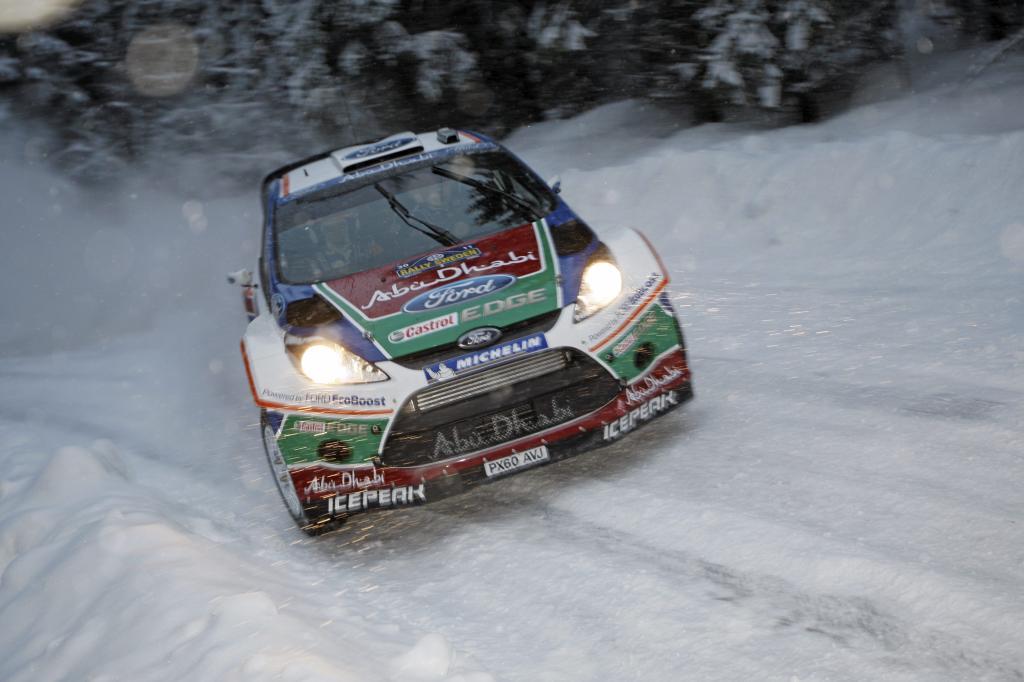Ford Focus RS WRC von Mikko Hirvonen und Jarmo Lehtinen .