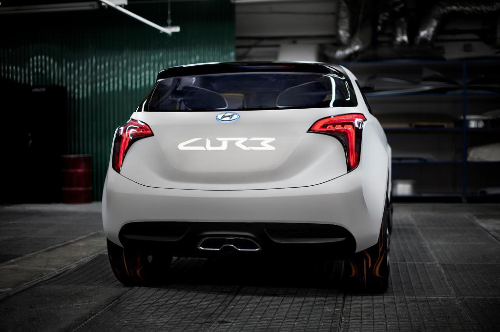 Hyundai Curb.