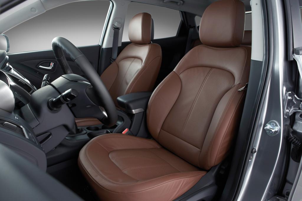 Im Hyundai ix35 schützen Aktiv-Kopfstützen die Insassen bei einem Heckaufprall
