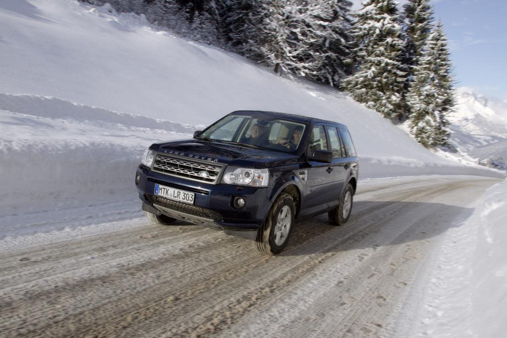 Im Winter größeren Bremsweg einkalkulieren