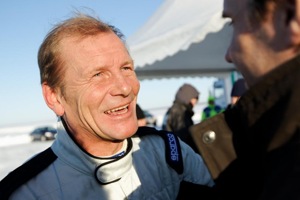 Juha Kankkunen ist glücklich über seinen Sieg