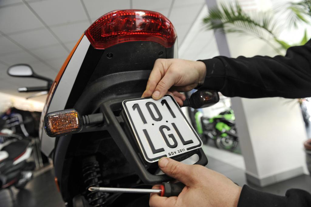Kennzeichenwechsel bei Kleinkrafträdern