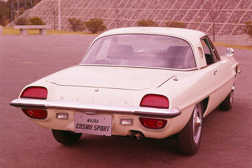 Mazda Cosmo Sport 110S. 1967