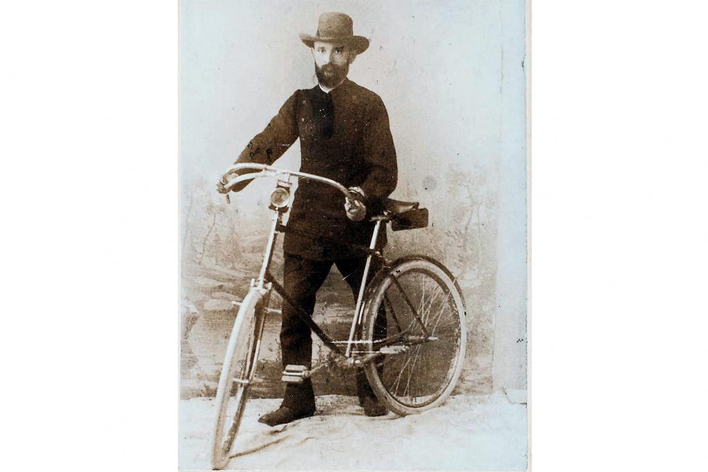 Mit einem damals hochmodernen Gefährt, dem Fahrrad, gelangte Robert Bosch im Jahre 1890 zu seinen Kunden.