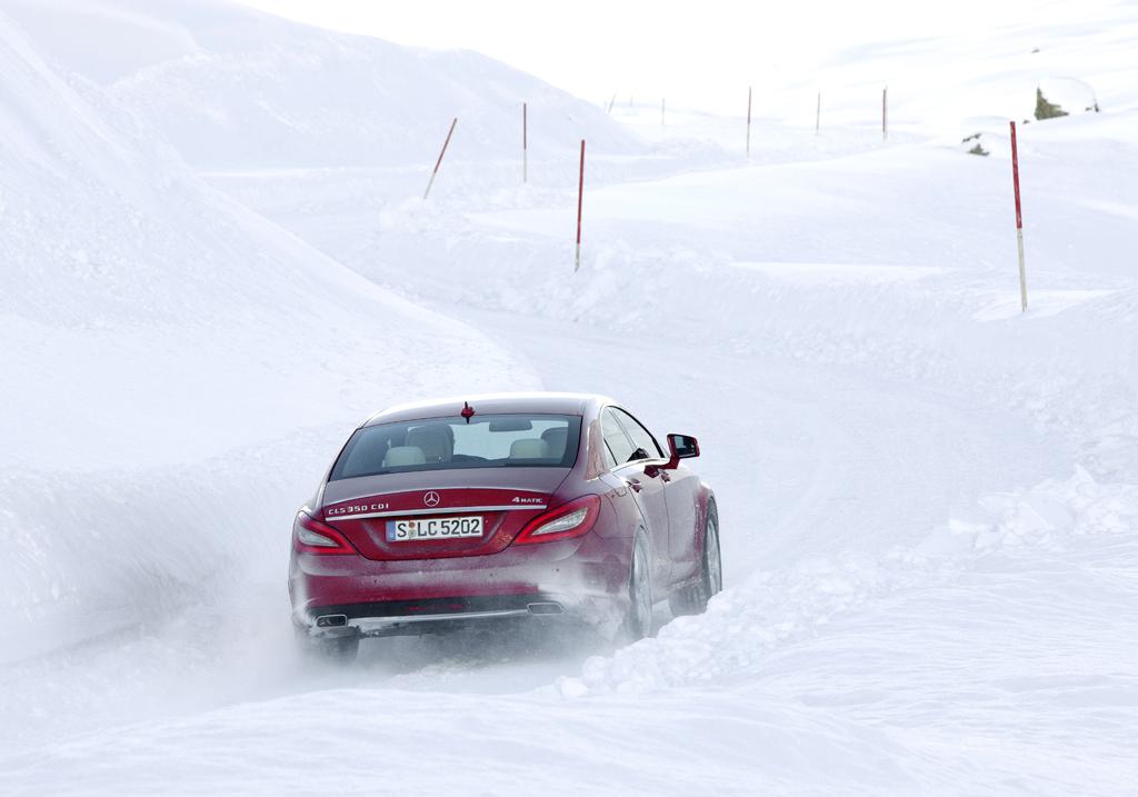 Mit einem sichereren Gefühl kann es zu Fahrten selbst in verschneite Berge gehen.