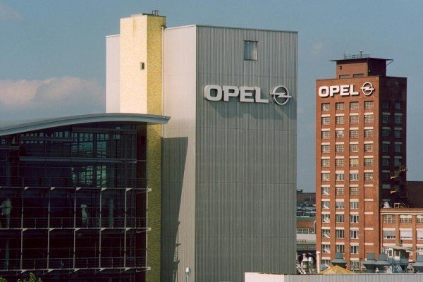 Opel: Weniger Stellenstreichungen als geplant