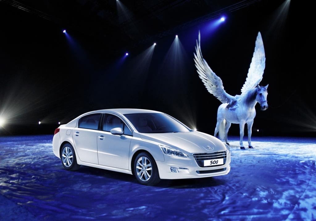 Peugeot stellt VIP-Shuttles zur Magnifico Weltpremiere
