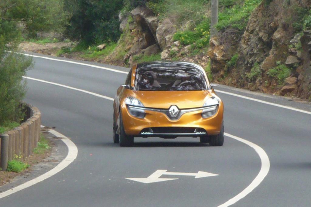 Renault R-Space - Unbekanntes Raumobjekt