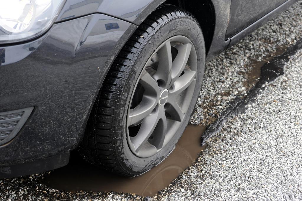 Schlagloch-Plage: Wie Autofahrer sich selbst helfen