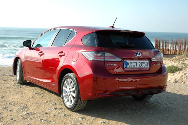 Stiller Revoluzzer: Lexus kündigt neuen CT-200h-Vollhybriden für Mitte März an