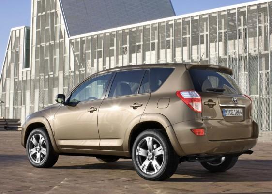 Toyota bringt Tagfahrlicht für RAV4