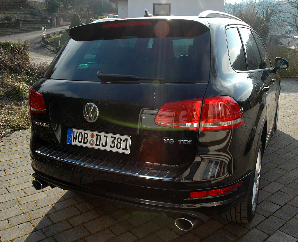 VW Touareg Diesel: Blick auf die Heckpartie des Fünfsitzers.