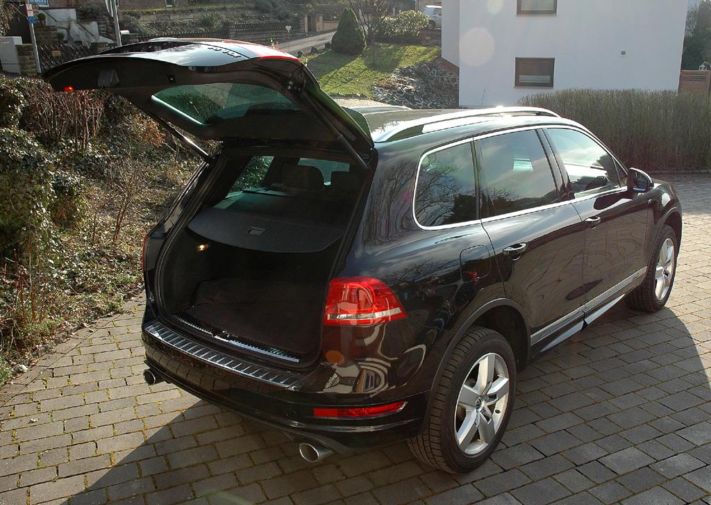 VW Touareg Diesel: Ins Gepäckabteil passen rund 600 bis fast 1650 Liter hinein.