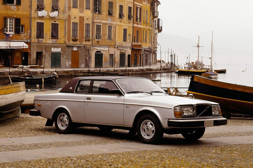 Volvo 262C, 1977