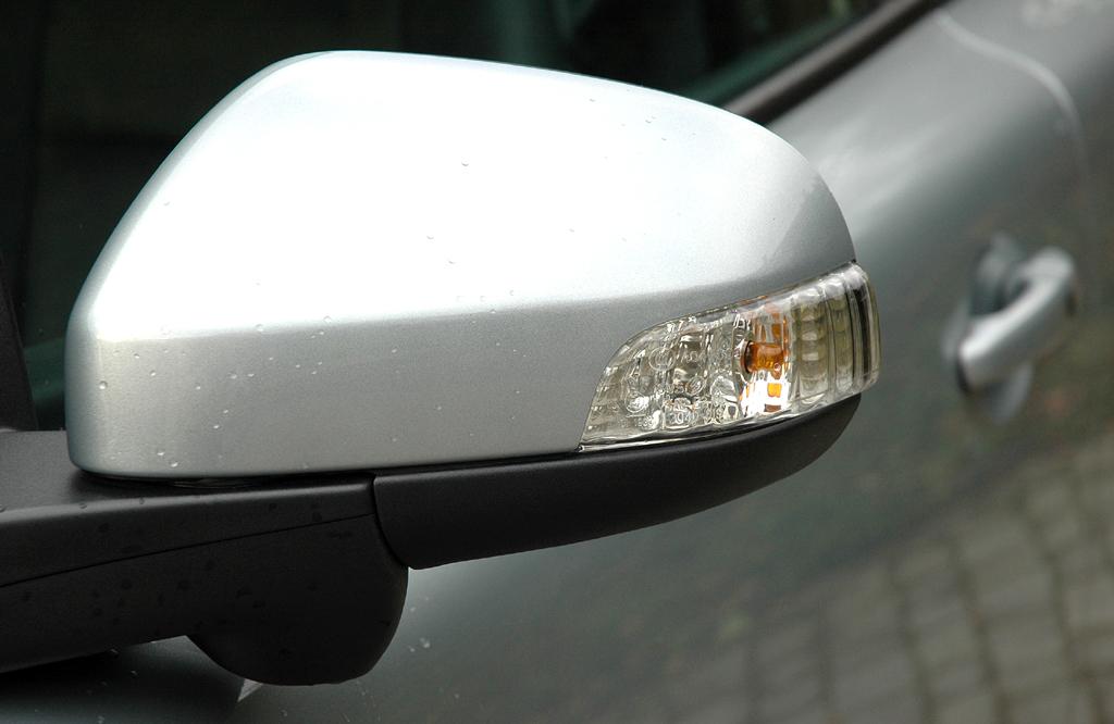 Volvo C30 Diesel: In die Außenspiegel sind Blinker integriert.