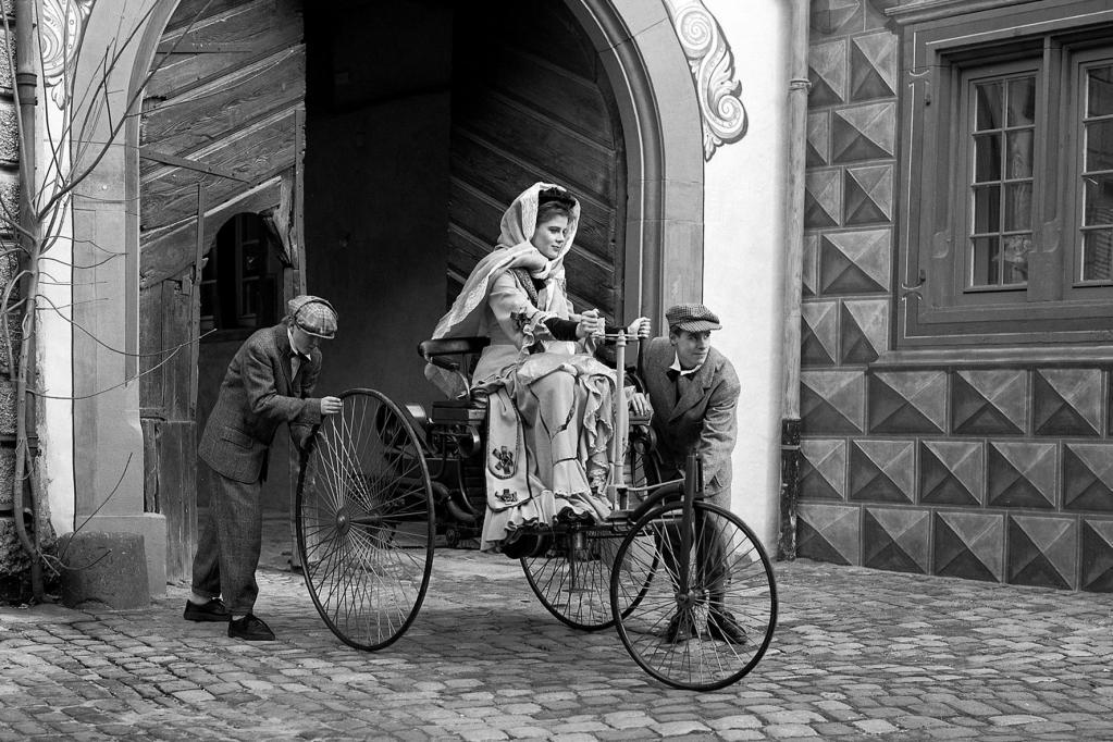 Weiblicher Automobil-Pionier