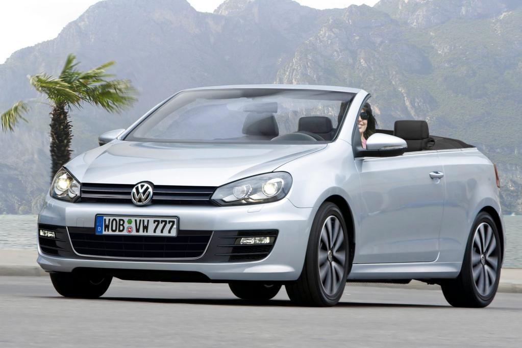 Weltpremiere feiert das neue VW Golf Cabrio.