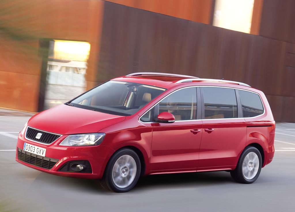 Wie der Ibiza ST steht auch die Alhambra-Neuauflage 2011 im ersten vollen Verkaufsjahr zur Verfügung.