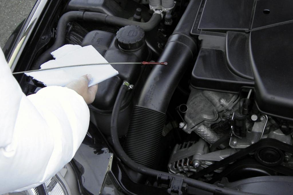 Ratgeber Öl, Bremsflüssigkeit und Co. - Kontrolle ist besser