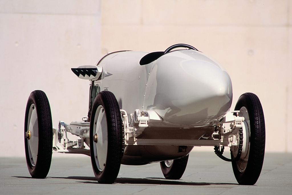 125 Jahre Automobil: Die erste Fahrt mit mehr als 200 km/h