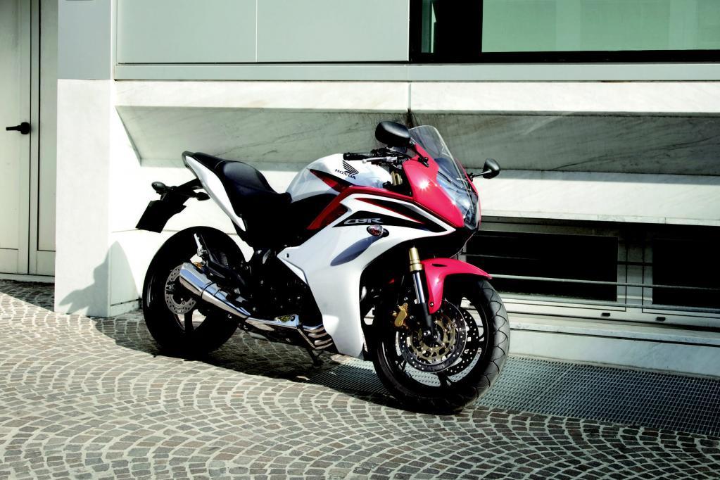 Ab Ende März 2011 ist die CBR bei den Honda-Händlern erhältlich.