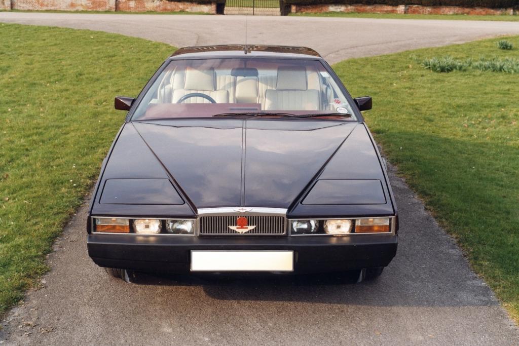 Aston Martin nutzte Lagonda noch als Modellbezeichnung für Oberklasselimousinen.