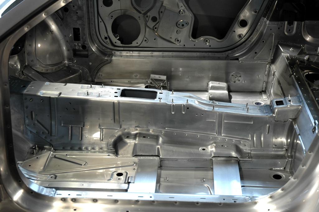 Audi-Leichtbau: Aluminium-Karosserien sind genauso leicht wie sicher.