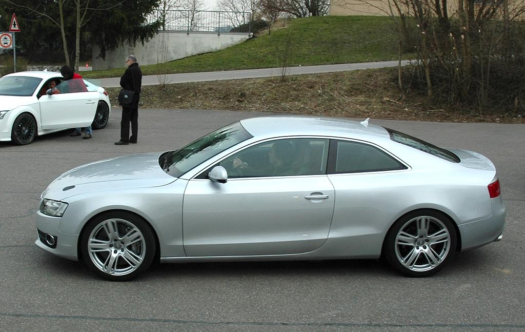 Audi-Leichtbau: Dieser 408-PS-Technikträger im A5-Kleid ist nur noch 1400 Kilo schwer.