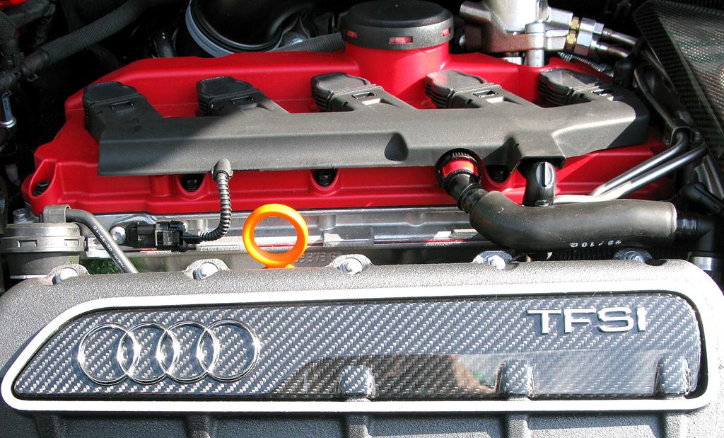 Audi RS3 Sportback: Blick unter die Haube des aufgeladenen 2,5-Liter-Fünfzylinders mit 340 PS.