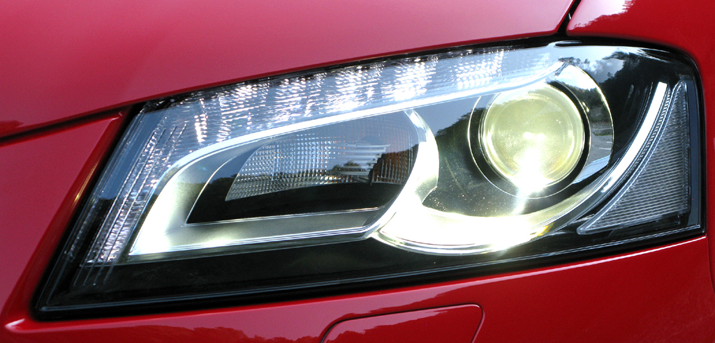 Audi RS3 Sportback: Moderne Leuchteinheit vorn.