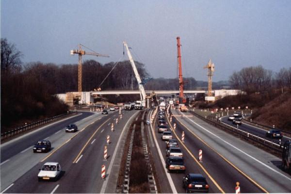 Autobahn-Baustellen - Es wird  wieder mehr gebaggert