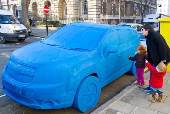 Chevrolet Orlando als lebensgroßes Knetauto in London