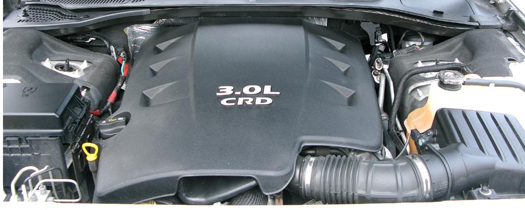 Chrysler 300C: ... der kraftvolle 510 Newtonmeter auf die Kurbelwelle stemmt.